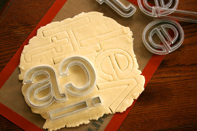 Helvetica cookie cutter by Beverly Hsu (3)