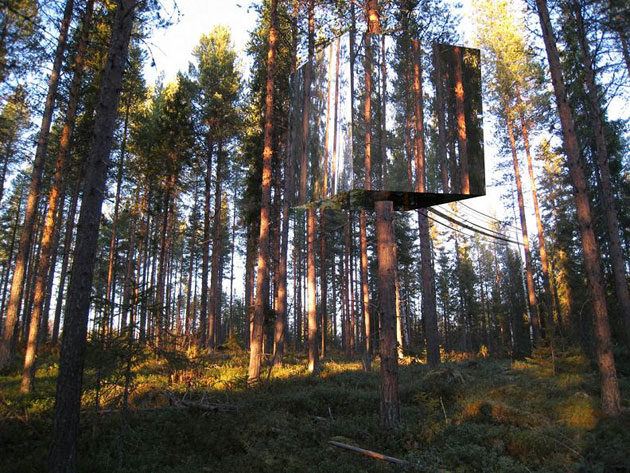 Mirrorcube by Treehotel (2)