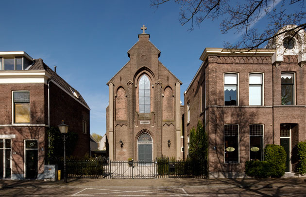 Residential Church Utrecht by Zecc Architects (10)